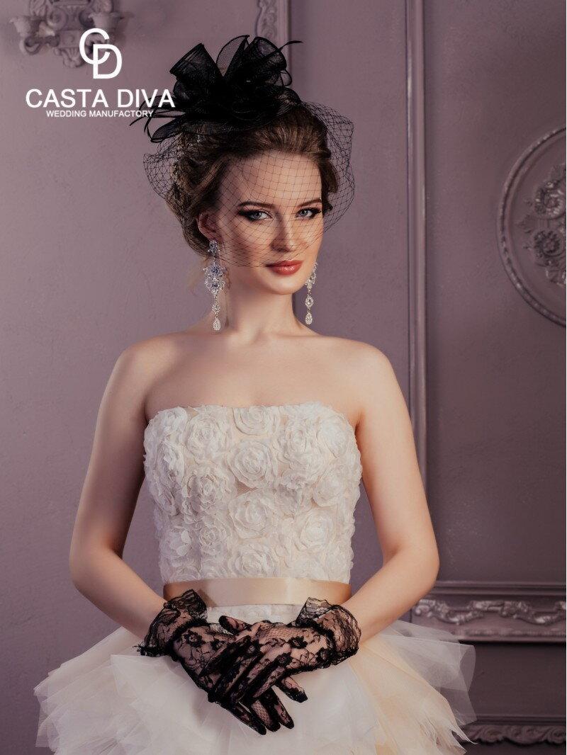 c524ec6da4f74c8 Свадебное платье со шлейфом спереди короткое. Купить в Москве недорого.