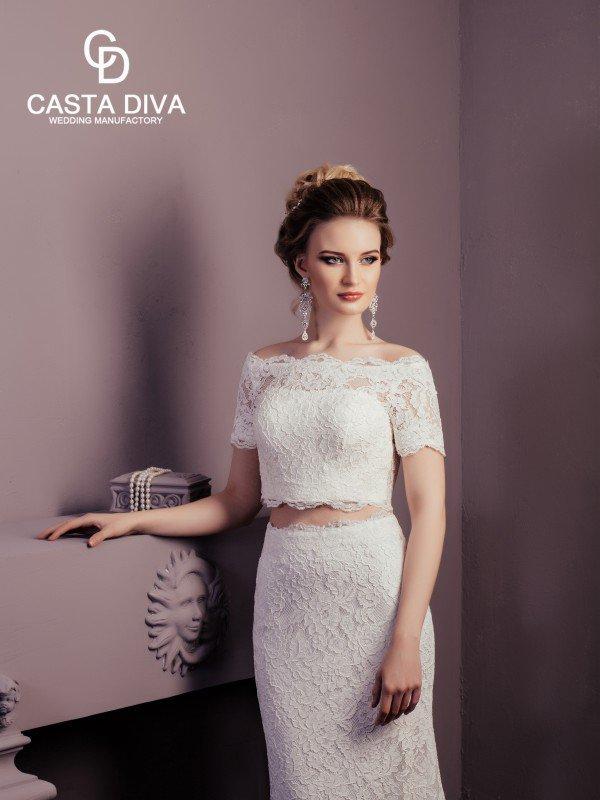 Открытое свадебное платье с кружевом Vega 0132