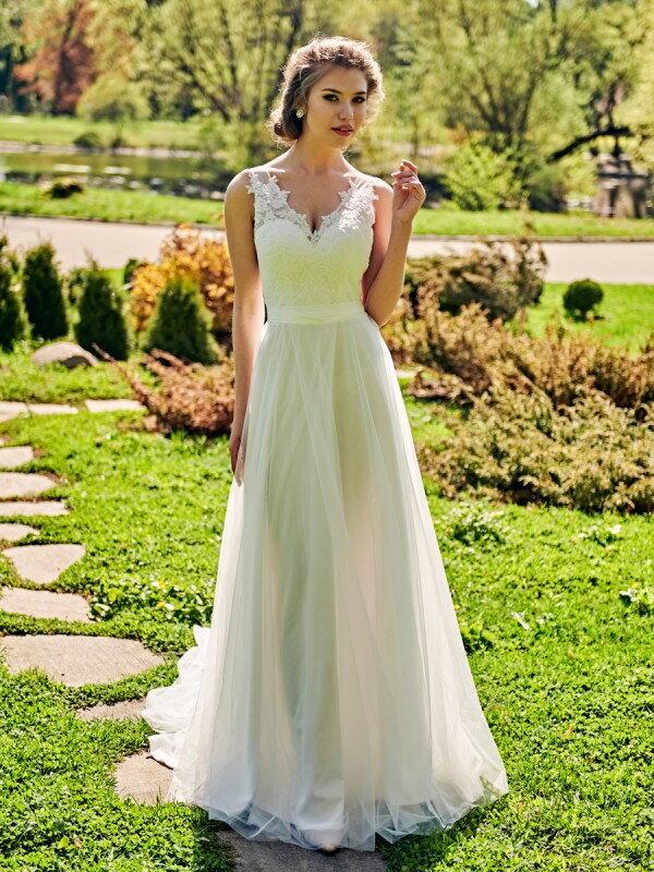 Открытое свадебное платье с кружевом Elian 459