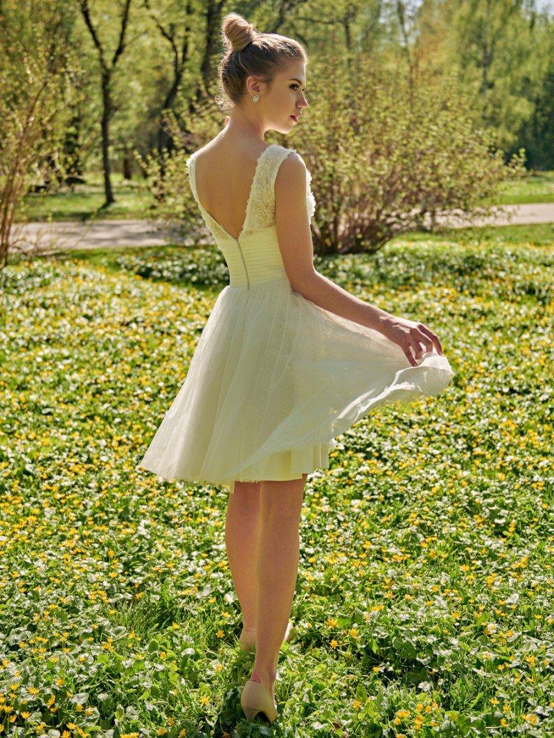 Короткое свадебное платье верх кружево розочки арт. 446
