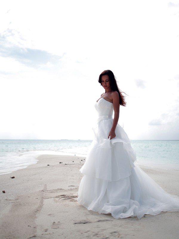 Открытое свадебное платье с бантом Margo 609