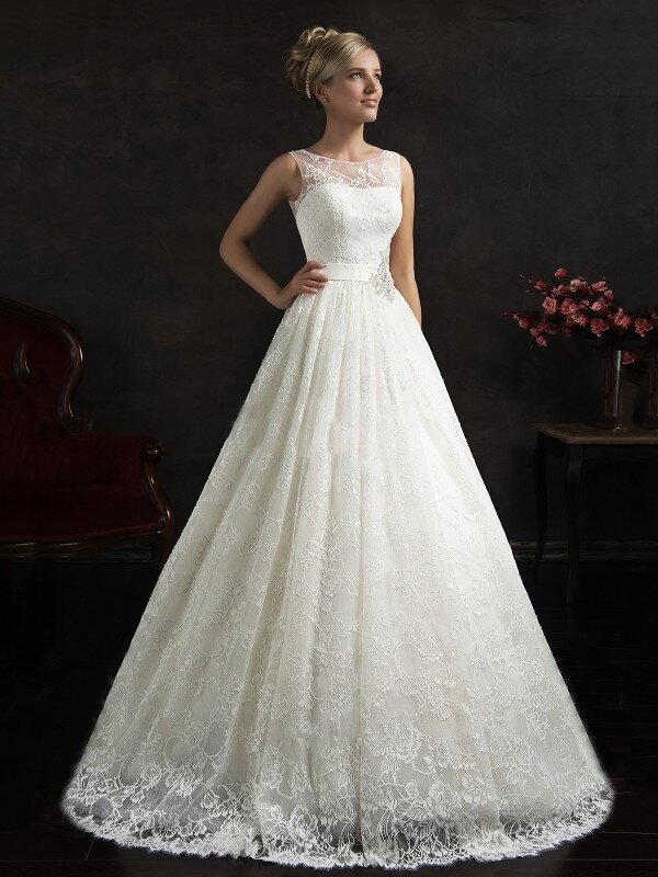 Длинное свадебное платье со шлейфом 0614a