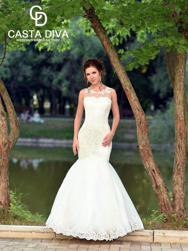 Облегающее свадебное платье 071a