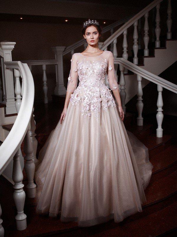 Необычное свадебное платье с рукавами 114m