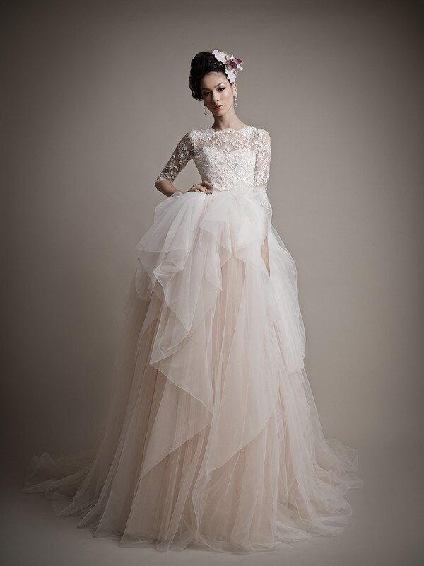 Необычное свадебное платье с рукавами 0468m