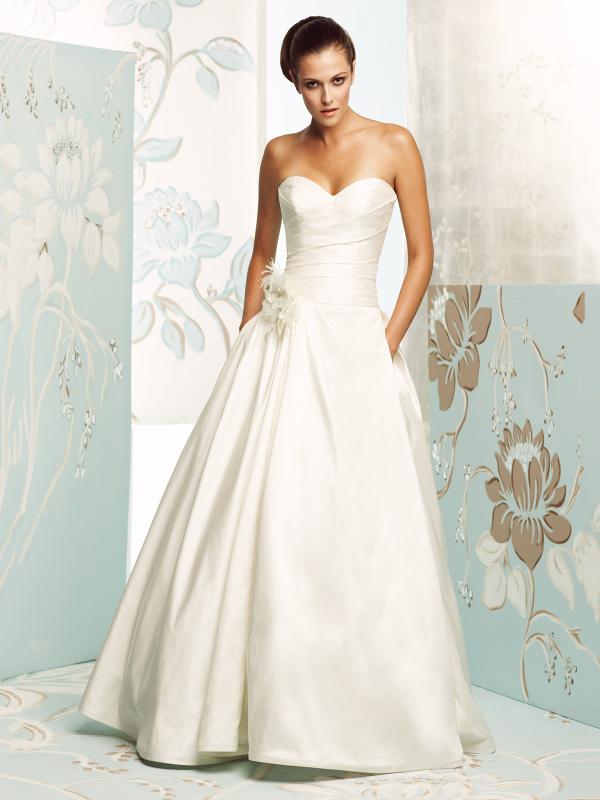 Открытое свадебное платье 470