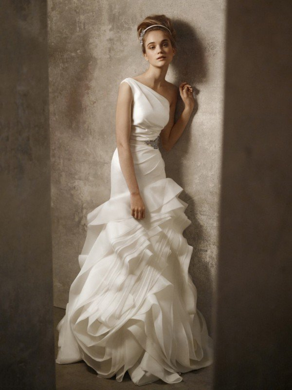 Облегающее свадебное платье 501