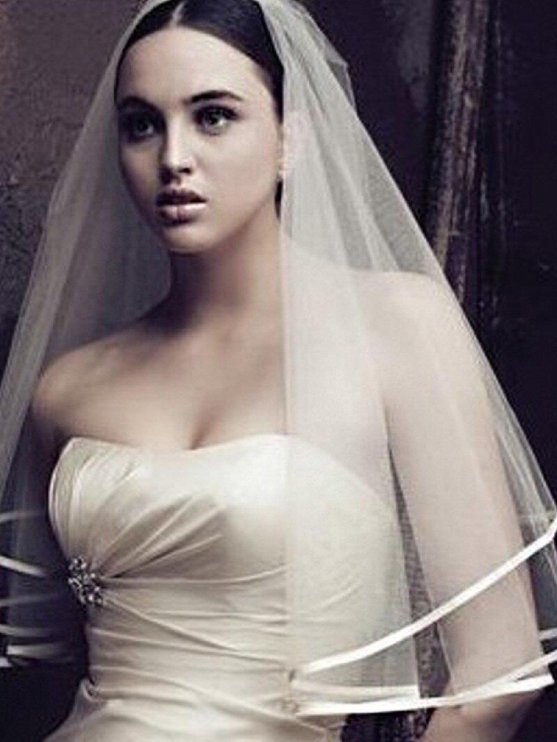 Фата свадебная с атласной лентой ф7