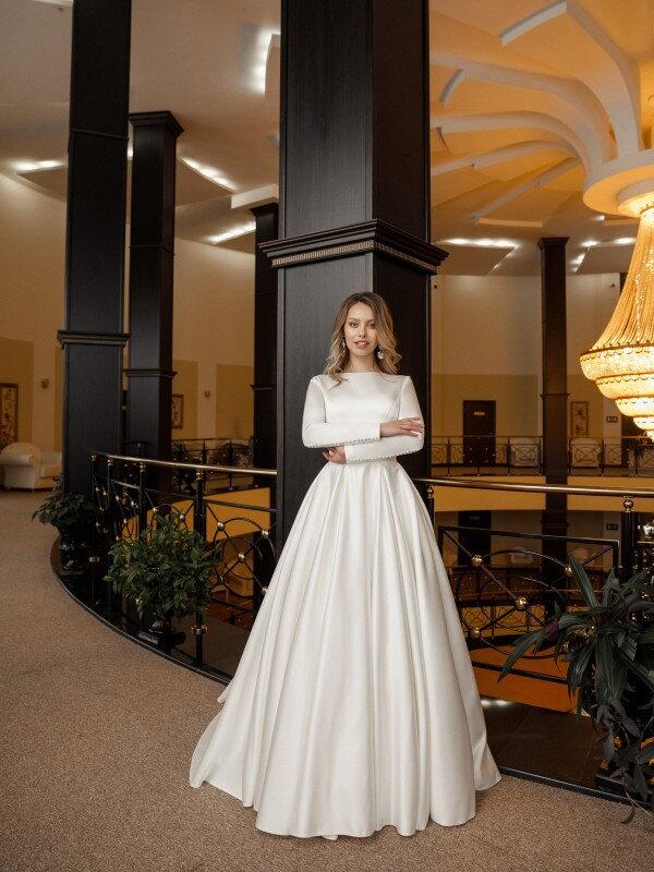 Свадебное платье со шлейфом Rana 535