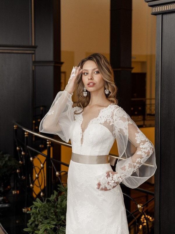 Свадебное платье со шлейфом Castra 686