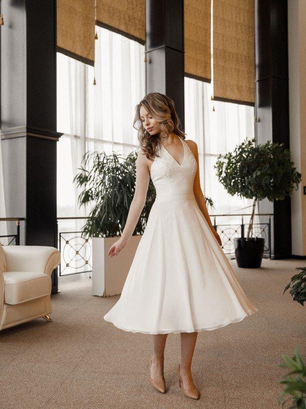 Свадебное платье короткое кружевное Alcor 692