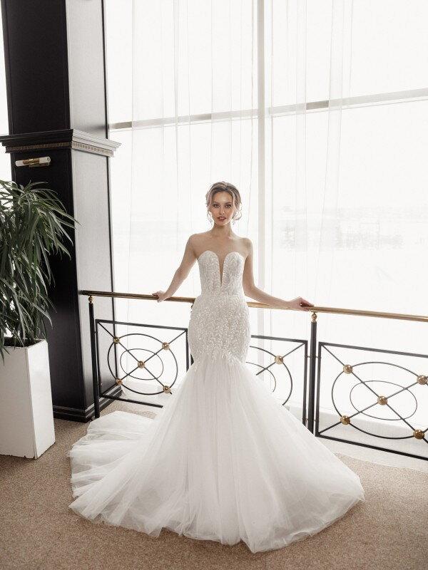 Свадебное платье со шлейфом Diadem 570