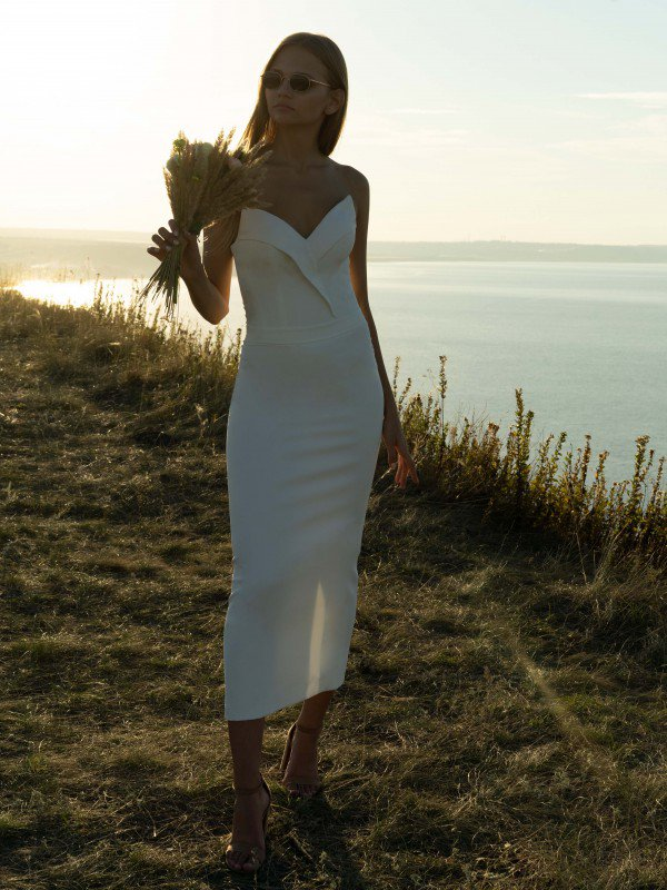 Короткое свадебное платье Midi Laura 6721