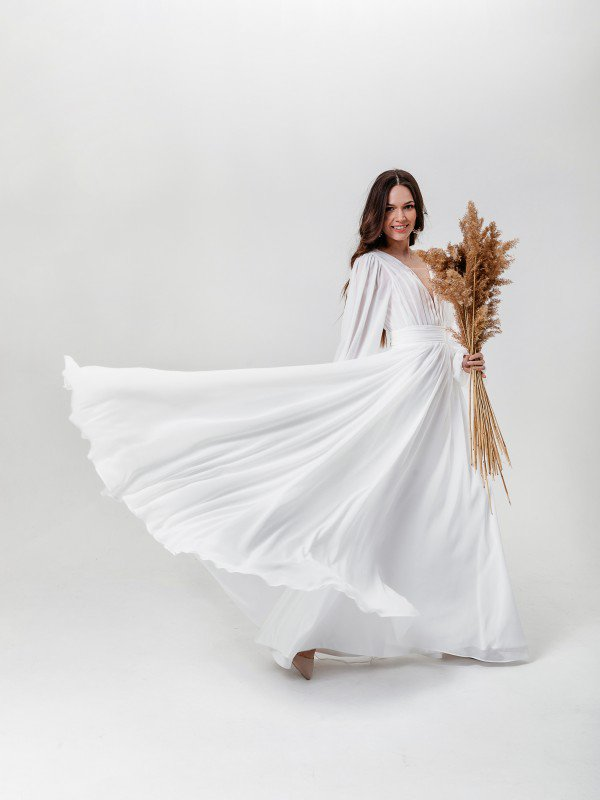Свадебное платье со шлейфом Dolores 1121