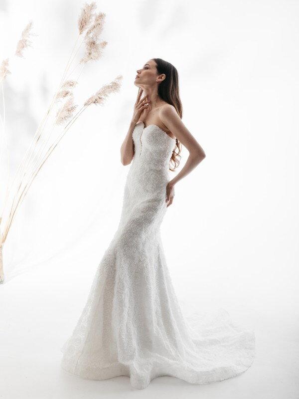 Длинное свадебное платье со шлейфом Reichel 4221