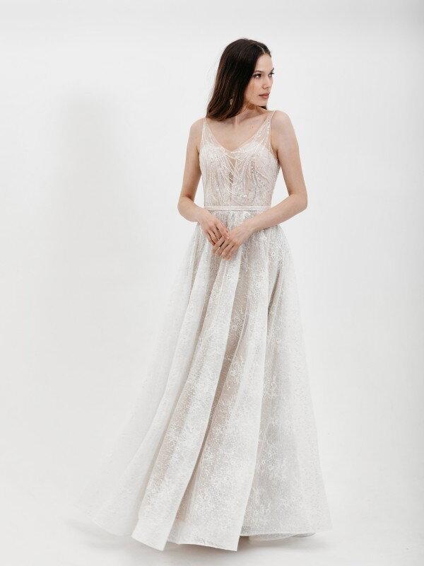 Свадебное платье со шлейфом Karolina 4421