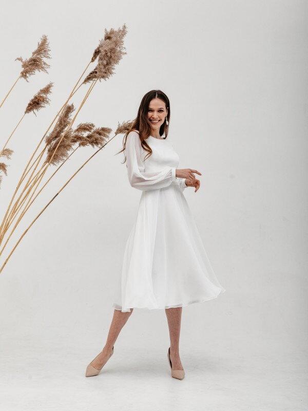 Короткое свадебное платье с рукавами Vena 4821