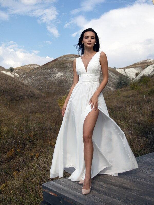 Свадебное платье с разрезом Cheril 3022