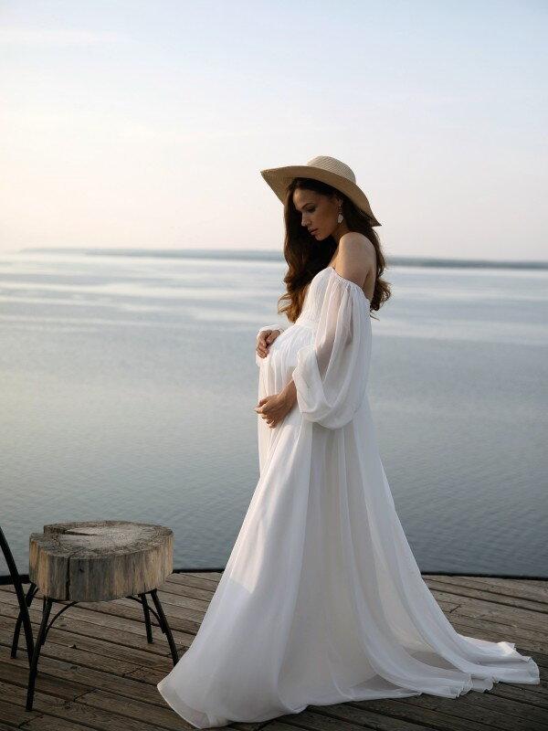 Длинное свадебное платье со шлейфом Selena 4122