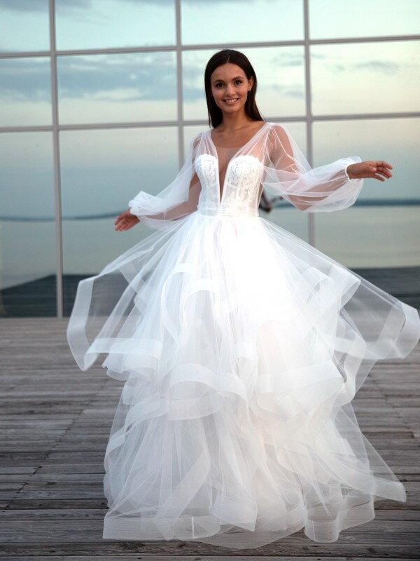 Длинное свадебное платье со шлейфом Willa 7122