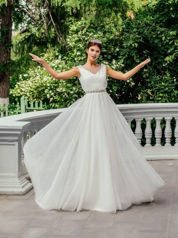 Открытое свадебное платье с бантом Lidi 00321