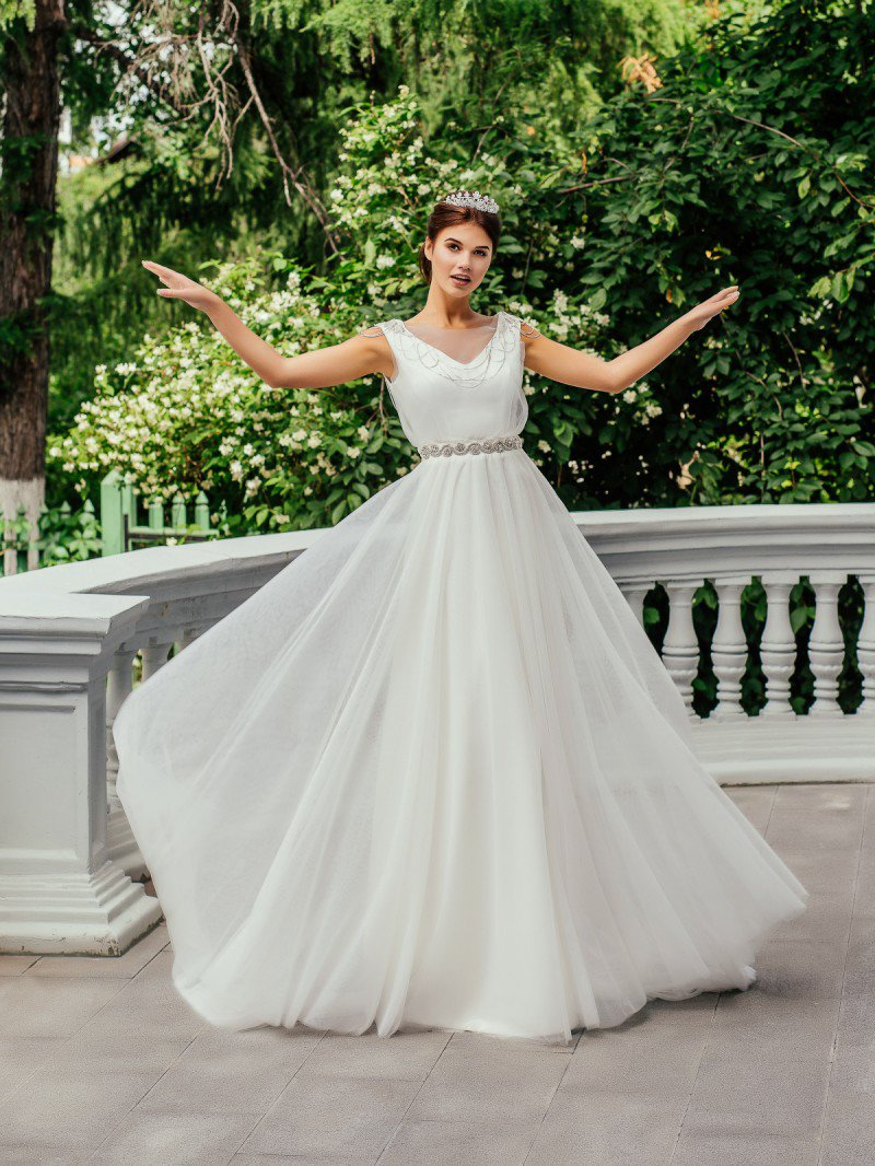 Свадебное платье ампир расшитое стеклярусом и паетками