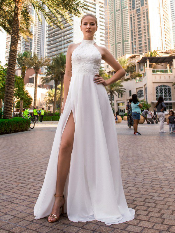 Свадебное платье со шлейфом Runa 311