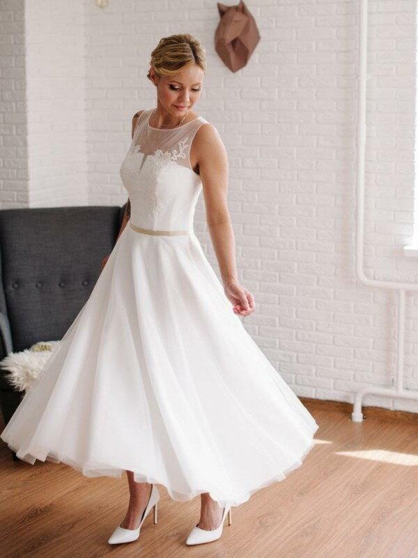 Свадебное платье короткое кружевное Silvy 314