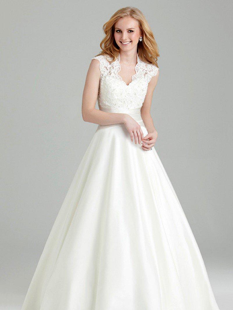 Свадебное платье А силуэт с кружевным верхом и атласной юбкой арт. 602